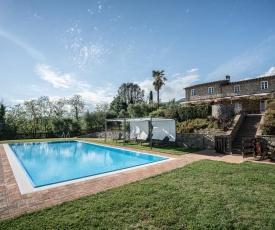 Appartamento con vista panoramica e piscina