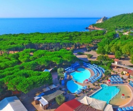 Holiday resort Baia Azzurra Castiglione della Pescaia - ITO031004-LYD